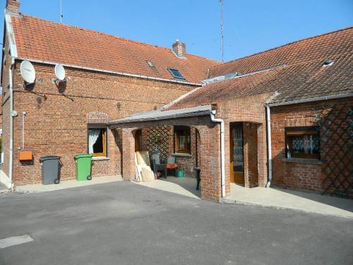 Annonces immobilieres sambre avesnois 59 ref 4338 for Garage brihaye le quesnoy